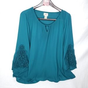 Eyelash Couture Green Embroidered Sleeve Top 2X